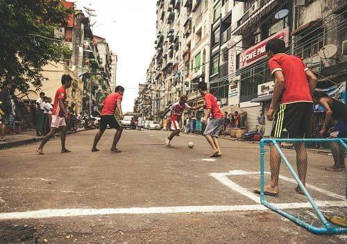 küçə futbolu