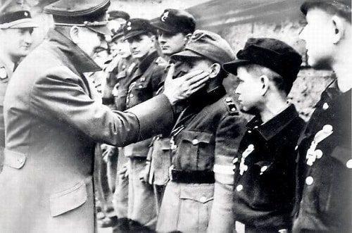 Barnum effekti Hitler